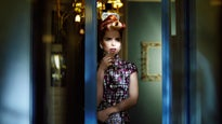 Paloma Faith - Seated